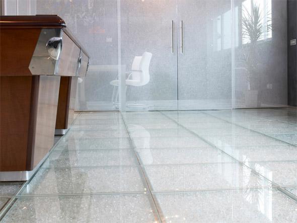 Piastrelle in pelle con legno marmo vetro nuovi pavimenti di